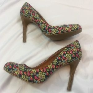 Jessica Simpson Floral Print Heels